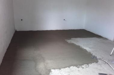 Betonování podlahy.